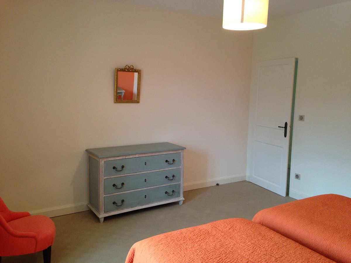Gîtes de Fontfroide : galerie-photo-chambre-orange-5