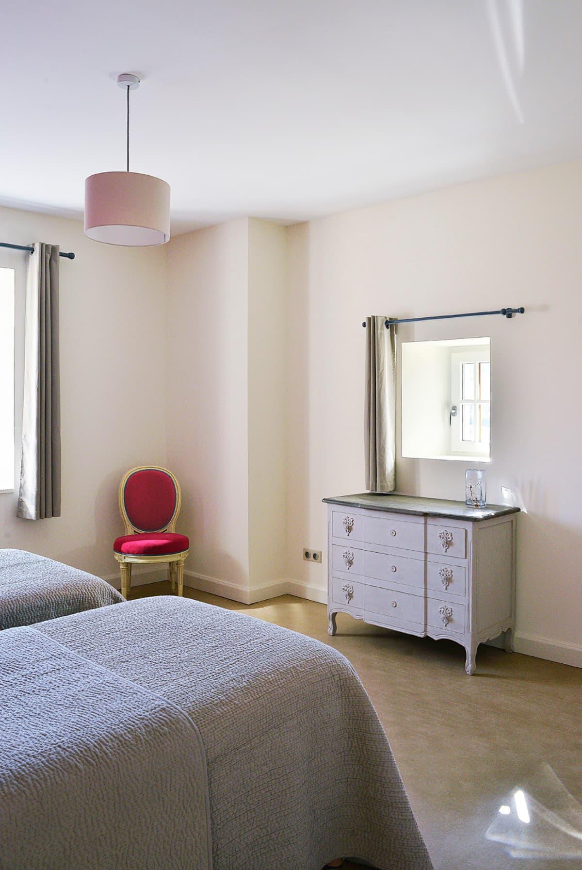 Gîtes de Fontfroide : galerie-photo-chambre-rose